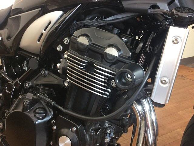Z900RS Z900RS カーボンフェンダー・エンジンスライダー 3枚目:Z900RS カーボンフ…