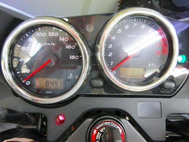 ZRX1200ダエグ ZRX1200 DAEG マフラーカスタム等 メーター表示距離:8493km!