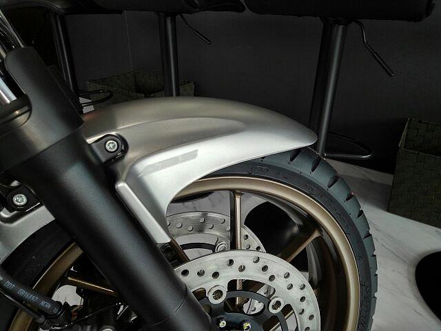 CB400スーパーフォア 受注期間限定の特別カラー