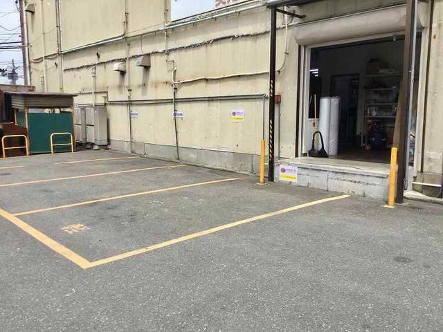 二輪用、四輪用の駐車場あります。