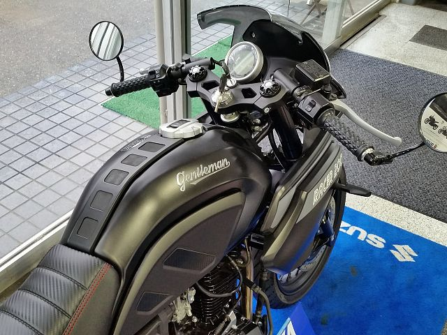 Gentleman Racer 200 純正ですでにカスタムスタイリングもかっこいい!