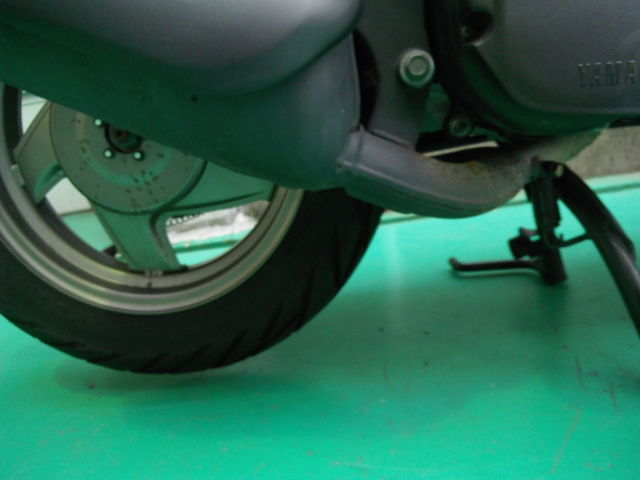 グランドアクシス 2006年モデル 希少低走行 リヤホイル・マフラーに若干のサビがあります