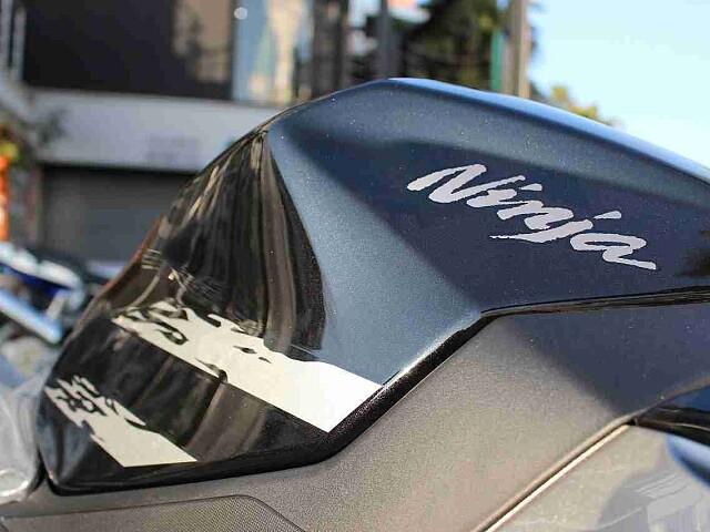ニンジャ250 【新車在庫あり】即納可能です! Ninja250 8枚目【新車在庫あり】即納可能です…