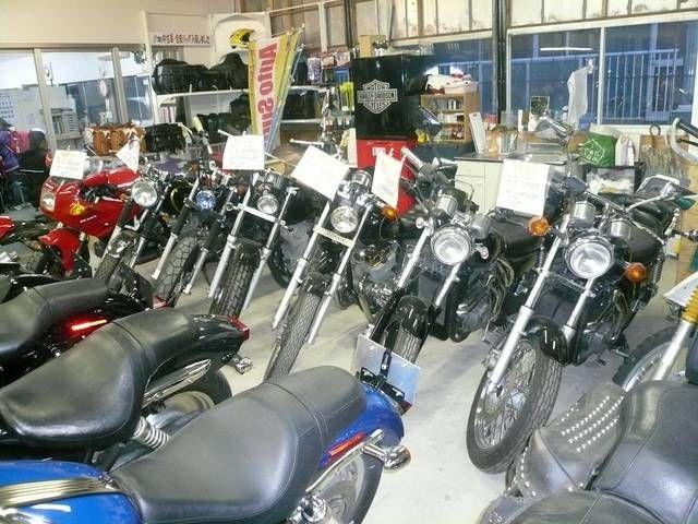 ■店内展示車は約30台