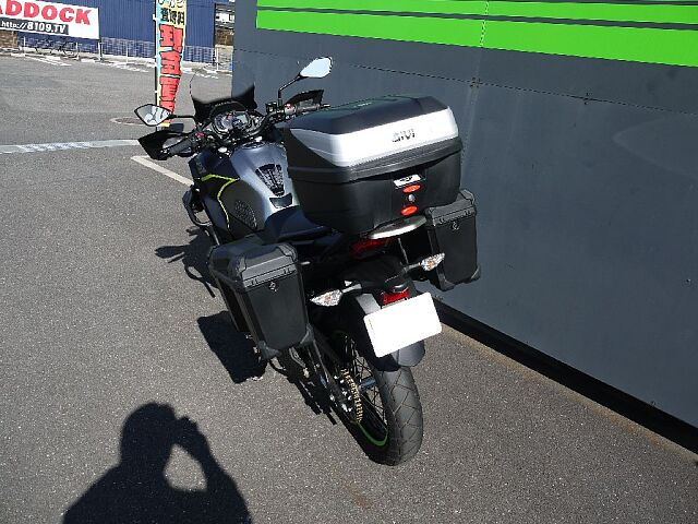 VERSYS-X 250 TOURER 非常に沢山のカスタムが施された車両です。