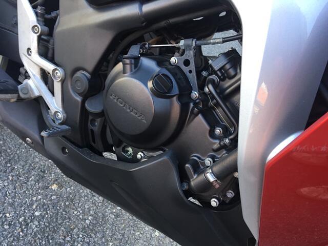 CBR250R (2011-) DOHC単気筒エンジン搭載