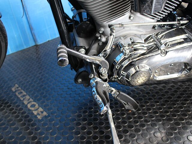 FXST SOFTAIL STANDARD TC88エンジン サンダンスFCRキャブ