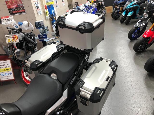 トレーサー900 豪華装備のGTにフルパニヤケース、エンジンガード、ETC付き