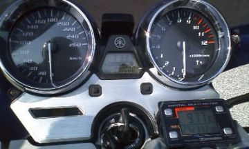 空冷エンジンの油温管理にバッチリ(≧∇≦)b