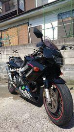 黒のバイク乗りさん:「VTR1000F FIRESTORM [ファイアストーム]」とオーナーレビュー