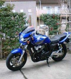 MAITY都筑さん:「CB400SF VTECIII BLUE」とオーナーレビュー