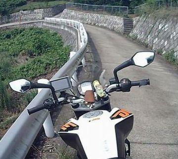 今度のバイクとだったら、こんな道だってヘッチャラ!(笑) | Webikeツーリング