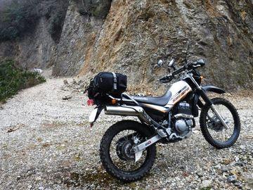 ブログ更新~オートバイの旅~justa2ofus-kzblues.com「1ヶ月ぶりのシェルパで林道初パンク!雨ニモ雪ニモ負ケズ無事生還。 2019.3.31(日)」 | Webikeツーリング