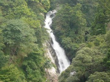 観音の滝までの道のりは肌寒かったです。 | Webikeツーリング