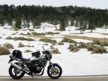 残雪と桜の八ヶ岳連峰へバイクひとり旅 | Webikeツーリング