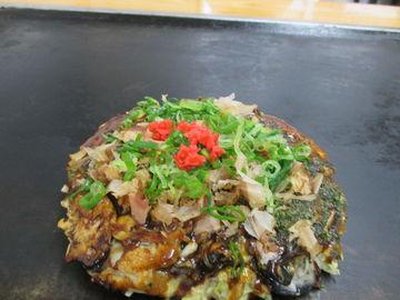 絶品牡蠣が上面を覆いつくすカキオコを食す(日生カキオコツー) | Webikeツーリング