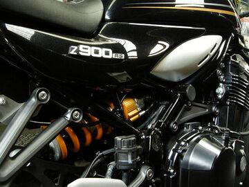 オーリンズ・リヤサスペンション交換 カワサキ Z900RS