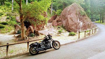 『金山巨石群』と『岩屋ダム』を眺めての257号~せせらぎ街道 | Webikeツーリング