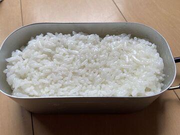 ダイソー製メスティンほか100均キャンプ用品を使ってご飯を炊いてみた。 | Webikeツーリング