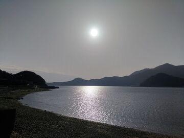 周防大島竜ケ崎温泉から太陽と安下庄湾を望む | Webikeツーリング