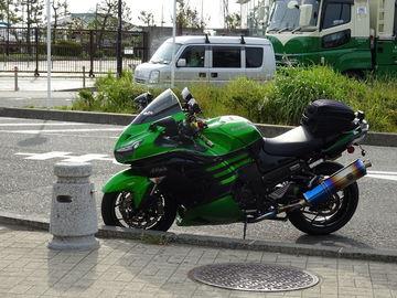 ZX-14Rで江ノ島と大磯プリンスホテルの駐車場 | Webikeツーリング