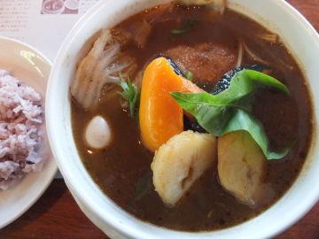 由仁町 キッチンファームヤードでスープカレー! | Webikeツーリング