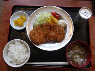 三陸復興海岸に来たら寄ってけろ!名物「道の駅の分校定食とラーメン」 | Webikeツーリング