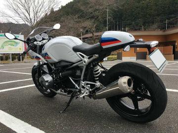 BMW R NINE T Racerのインプレで海鮮丼を食べに行きました | Webikeツーリング