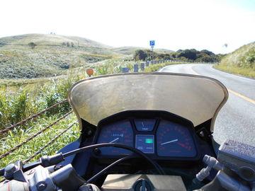 秋の秋吉台 VT250FHでソロツーリング | Webikeツーリング