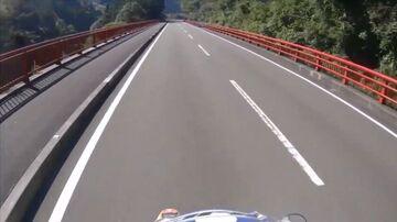 国道440号は山間を豪快に駆け抜ける超絶快走ワインディング!~DR-Z400S~   Webikeツーリング