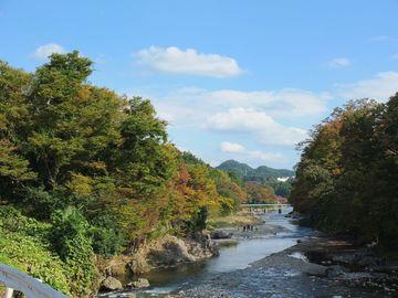 紅葉はじまる秋川渓谷をカタナで走る! | Webikeツーリング