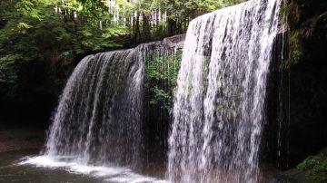 滝の裏側に入れます! | Webikeツーリング