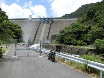 久し振りのダムカードを貰いに津市の錫丈湖まで、でも台風一過の道路は荒れてました。 | Webikeツーリング