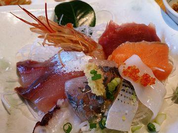 市場の海鮮丼は、美味 | Webikeツーリング