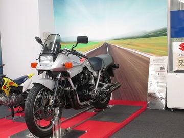 スズキ歴史館~若き日のバイクに再会/遠州灘ツーリング4 | Webikeツーリング