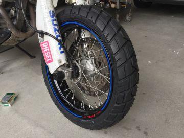 E705 【150/70-17 M/C 69Q TL】 タイヤ